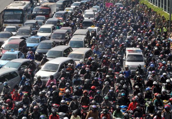 어려운 미행… 인도네시아의 교통 사정